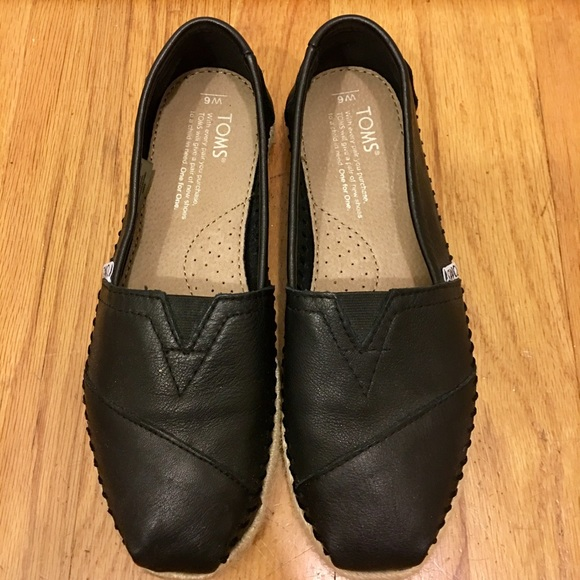 88a5015bf Toms Leather Womens Classic Size 6. M_5aa531f43afbbd0b354ad340